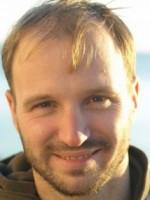 Дмитрий Емец: «Я рано осознал опасность профессионализма»