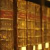 В Калининграде университет им. Канта выбросил на помойку книги, изданные более двух веков назад
