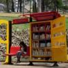 Автобусная остановка — мечта книголюба
