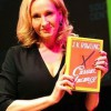 В России поступил в продажу «взрослый» роман Джоан Роулинг «Случайная вакансия»