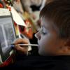 В Москве стартует эксперимент по использованию электронных учебников