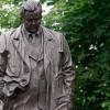 Памятник Александру Твардовскому появился в Москве