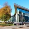 Библиотека в Хальмстаде — панорамное остекление ради деревьев