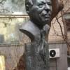 В Москве установили памятник Чингизу Айтматову