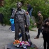 Памятник Высоцкому открыли в Магадане