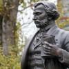 В столице к 200-летнему юбилею Тургенева открыли памятник писателю