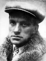 «Светить всегда, светить везде, до дней последних донца, светить — и никаких гвоздей! Вот лозунг мой — и солнца!» – 19 июля 1893 года родился Владимир Маяковский
