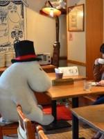 Компанию посетителям-одиночкам в «Moomin Café» составят муми-тролли