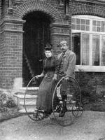 Восторг и ужас: известные писатели о езде на велосипеде