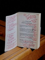 Среди книг библиотеки Филипа Рота нашли много помет и писем