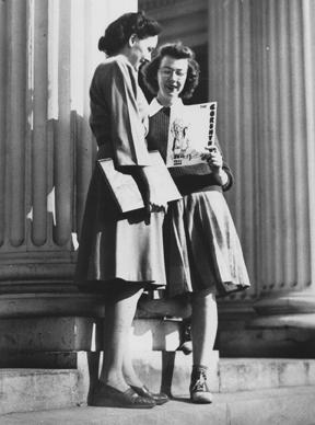 Фланнери О.Коннор (справа) в колледже