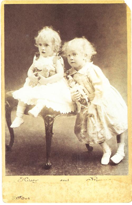 Дж.Р.Р.Толкиен с младшим братом Хилари