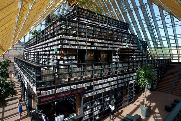 Библиотека Bookmountain - вид изнутри