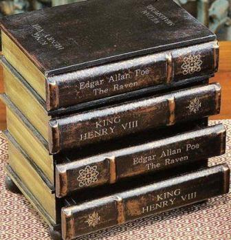комод в виде стопки книг