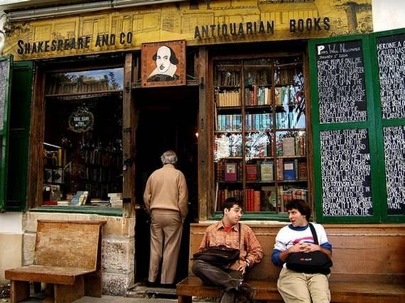 "Shakespeare & Co - старейший из ""богемных"" книжных магазинов"