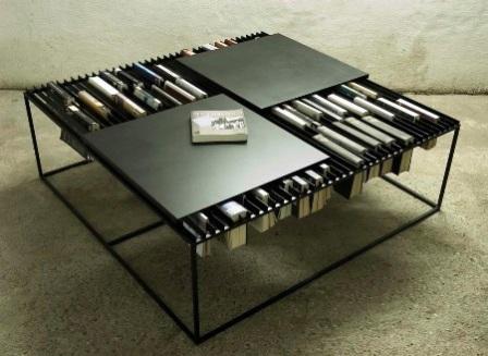 """стол для """"запойных книгочеев"""""""
