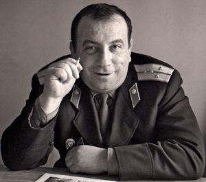 Аркадий Вайнер в должности старшего следователя МУРа