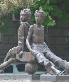 памятник Пете и Гаврику в Одессе