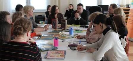 """круглый стол """"Детская литература: призвание, профессия или коммерция?"""" в издательстве """"Росмэн"""""""