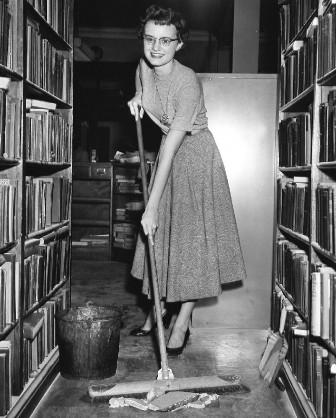 сотрудники Ниагарской библиотеки борются за чистоту