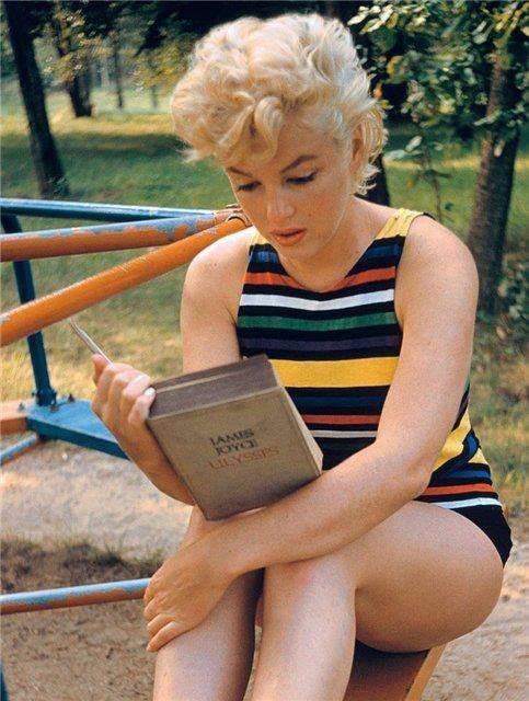 Монро читает Джойса