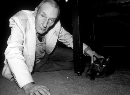 Уильям Берроуз с котиком