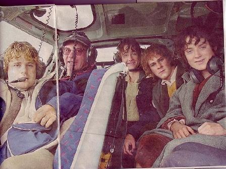 хоббитское Братство на вертолете