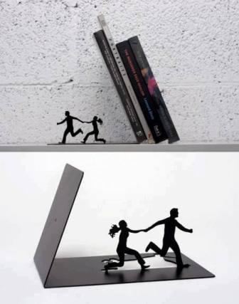 драматическая подставка для книг