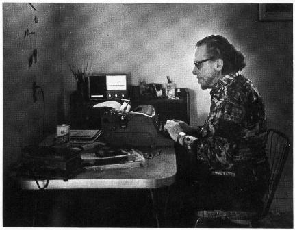 Чарльз Буковски за работой