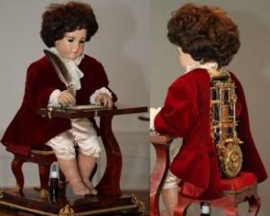 кукла писатель, робот андроид, человекоподобный робот писатель, ретро куклы механические