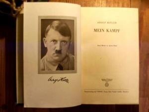 Майн Кампф, Адольф Гитлер, Майн Кампф с автографом, аукционы редких книг