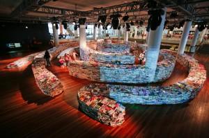 Лабиринт из 2500 книг, литература в картинках