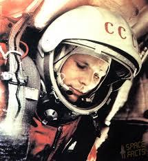 Юрий Гагарин, выставка книг Юрия Гагарина, книжные выставки в Санкт-Петербурге, 80 лет со дня рождения Гагарина