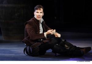 """Шекспир """"Гамлет"""", спектакль """"Гамлет"""" в Лондоне, Бенедикт Камбербэтч"""