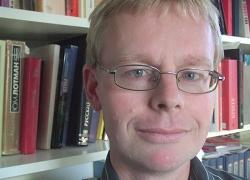 Мартин Угла, Пособие для диктаторов, анонсы книг