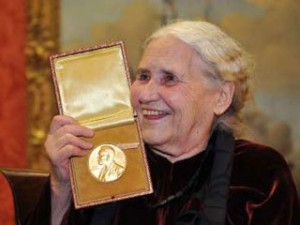 Дорис Лессинг, Золотая тетрадь, Нобелевская премия по литературе