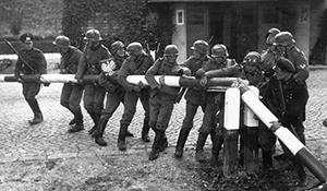 Норман Олер, война, новости литературы
