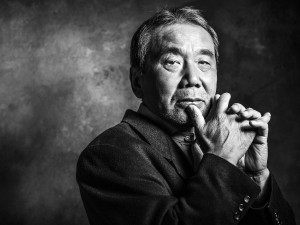 Харуки Мураками считается современным классиком и является одним из самых известных писателей Японии