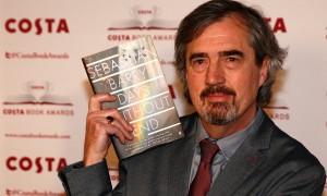 Себастьян Барри с книгой «Дни без конца»