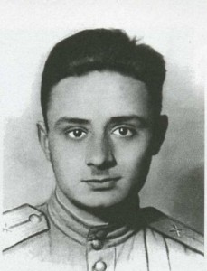 Апрель 1944, за месяц до ранения, Эдуарду Асадову 20 лет