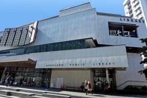 Оклендская публичная библиотека