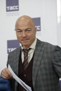 Олег Новиков2