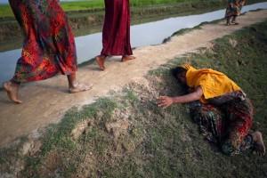 Reuters – бегство рохинджа из Мьянмы, где их массово преследуют