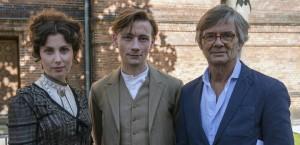 Билле Аугуст вместе с главными героями «Lykke-Per»