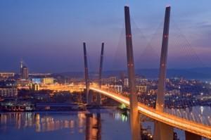 Мост через залив Золотого Рога во Владивостоке