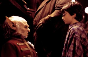 HARRY POTTER AND THE SORCERER'S STONE, Verne Troyer, Daniel Radcliffe, 2001, (c) Warner Brothers
