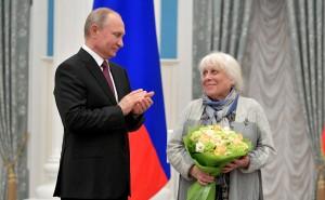 Vladimir_Putin_and_Francheska_Yarbusova_(2019-03-26)