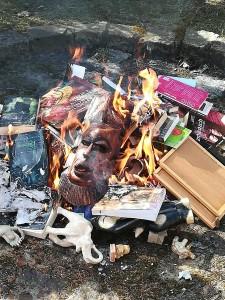 Сжигание книг4