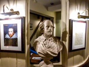 A bust of Shakespeare sits in the Garrick Inn