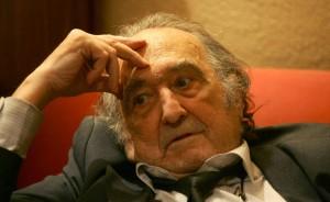 Rafael Sánchez Ferlosio, en su casa de Madrid en 2004